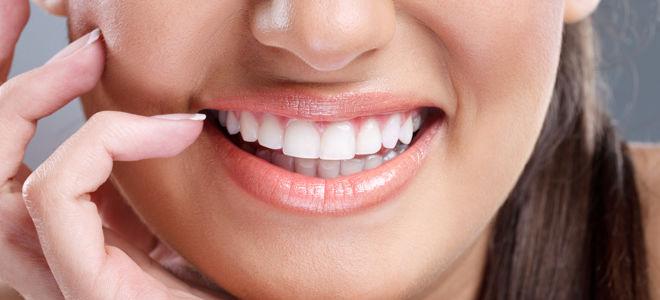 Восстановление передних зубов винирами