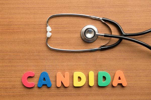 грибки Candida требуют правильного лечения