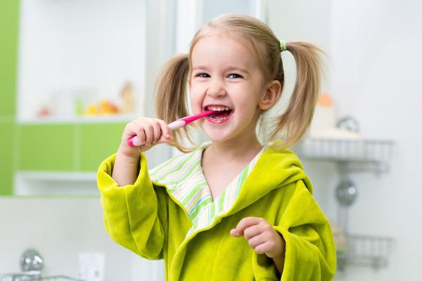 профилактика налета на зубах у ребенка