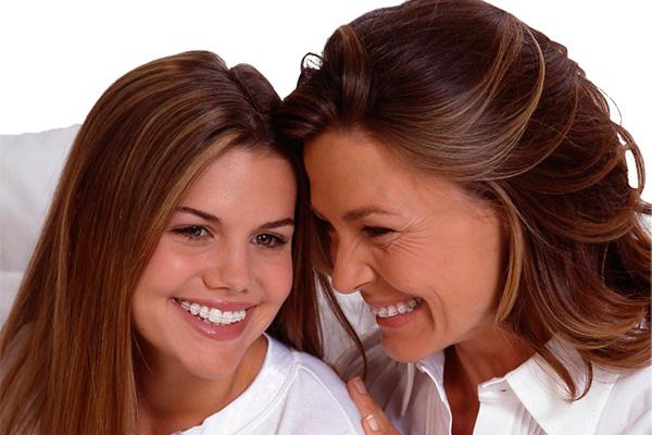 брекет-системы на маме и дочке