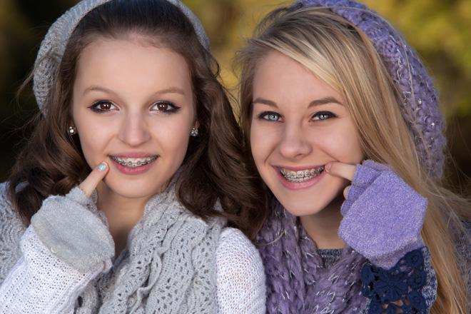 девочки с брекетами